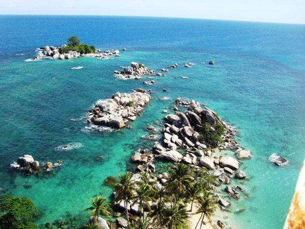 Pulau Lengkuas Negeri Laskar Pelangi